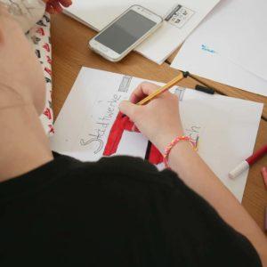 DESIGNSTUUV Slider Praktika Schueler zeichnen Detail